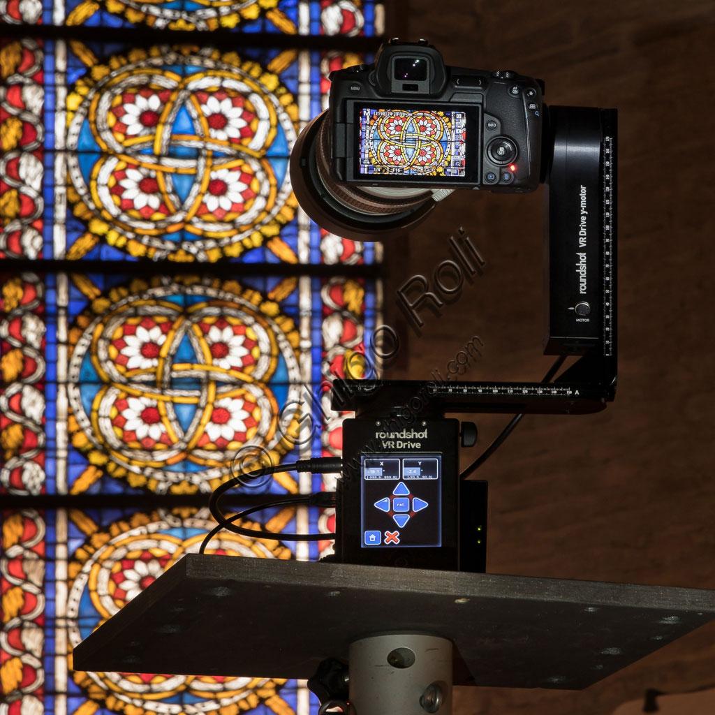 Basilica di San Francesco ad Assisi: la postazione con la testa panoramica.