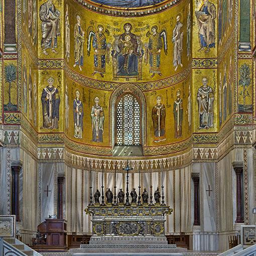 Duomo di Monreale: l'abside con i mosaici bizantini e l'altare d'argento di Luigi Valadier