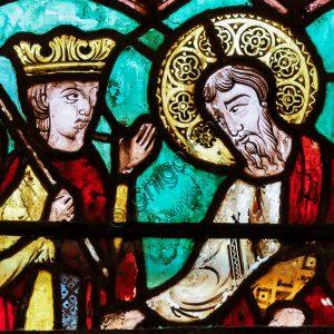 Basilica Superiore, navata: la vetrata della seconda campata.